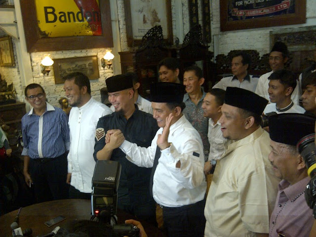 Yusril, Ahmad Dhani, Adhyaksa dan Sandiaga Uno Bersatu Melawan Ahok