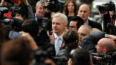 Wikileaks Founder, Julian Assange Hires Pirate Bay Lawyer