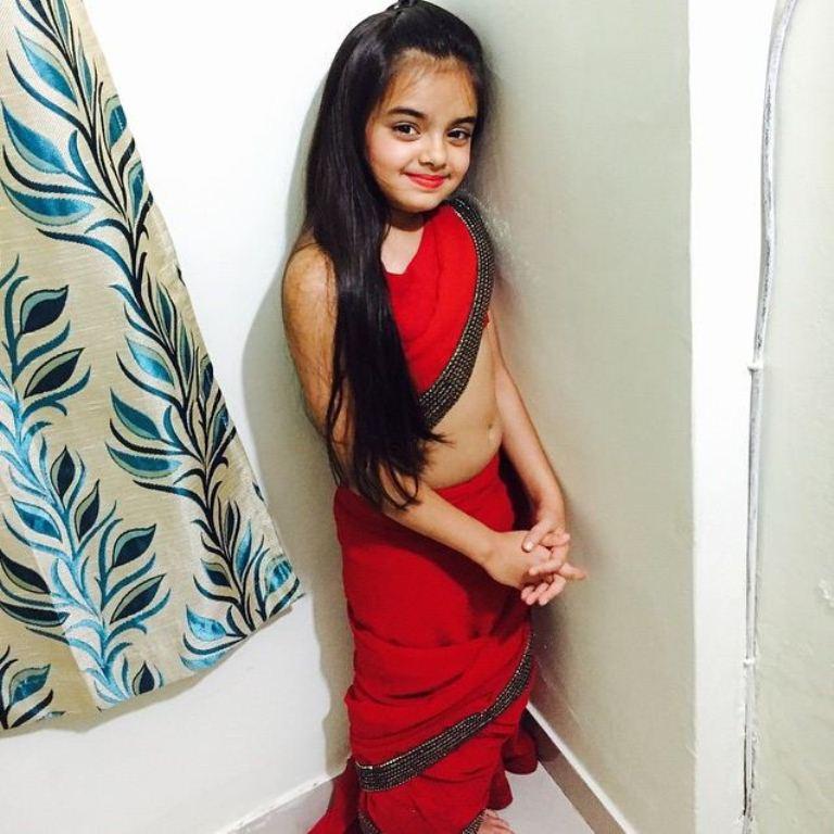 Foto Ruhanika Dhawan_Pemeran Ruhi Raman Bhalla_Serial Mohabbatein ANTV_Cantik Imut Cerdas_delapan belas