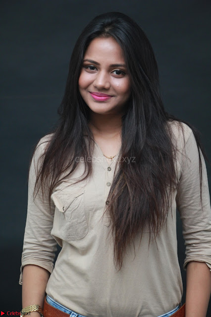 Actress Aishwarya Dutta Beautiful and Cute Pics ~  Exclusive 6.JPG