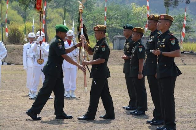 Pangdam III/Siliwangi Pimpin Serah Terima Jabatan Danyonarmed 4/105 GS dan Danyonarhanud 3/YBY