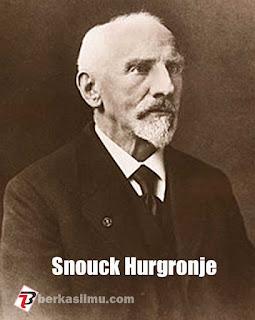 Gambar Snouck Hurgronje