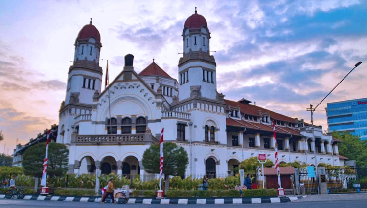 7 Historical Tourism in Central Java