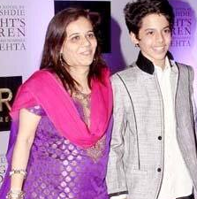 Darsheel Safary Family Wife Son Daughter Father Mother Marriage Photos Biography Profile