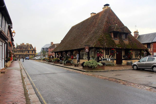 Wandering the little village of Beuvrons-en-Auge in Normandy, France