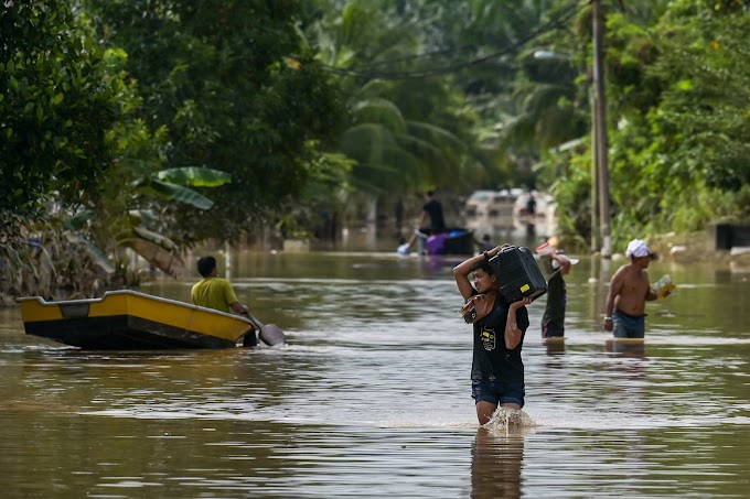 Malaysian Floods Killed 5 And Lead To The Evacuation of Nearly 50,000