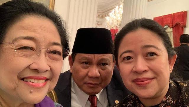Selfie Bareng, Prabowo Nyempil di Antara Megawati dan Puan