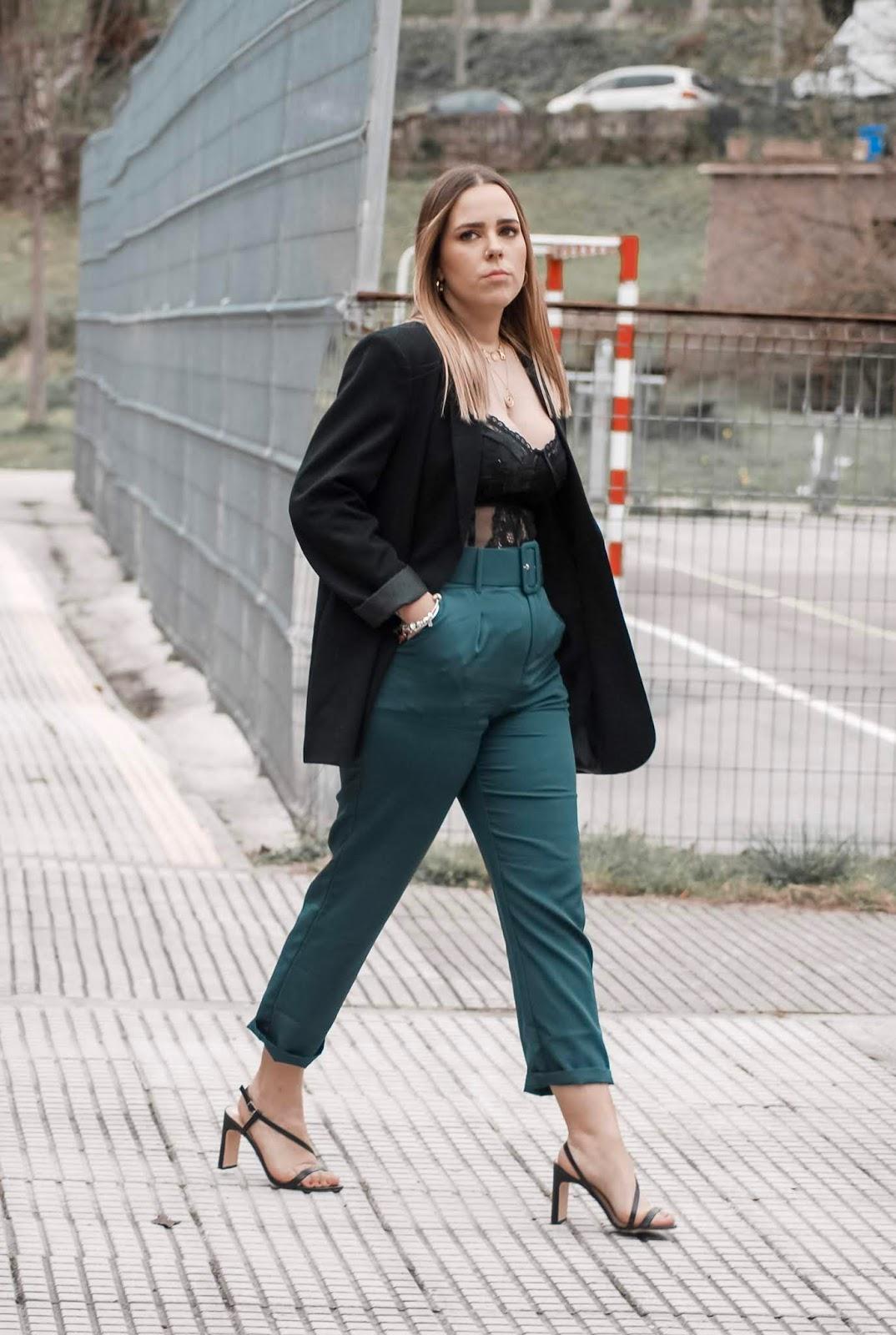 Outfit con body lencero