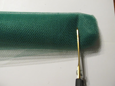 DIY: How to Cut Netting for Crocheting Dish Scrubbies in 4 Easy Steps!