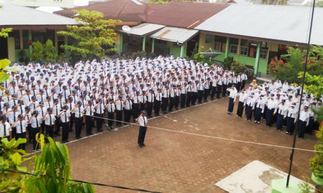 Menyigi Fasilitas SMPN 2 Kota Pariaman Tak Ada Aula, Saat Acara Wali murid Terpaksa Berdiri
