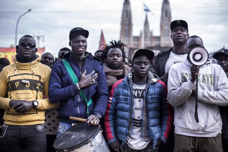 """Senegaleses en Argentina: """"La familia en Senegal tiene que enviarnos dinero para ayudarnos, estamos pensando en volver"""""""