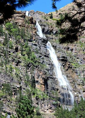 Cascada de Cotatuero en el valle  de Ordesa
