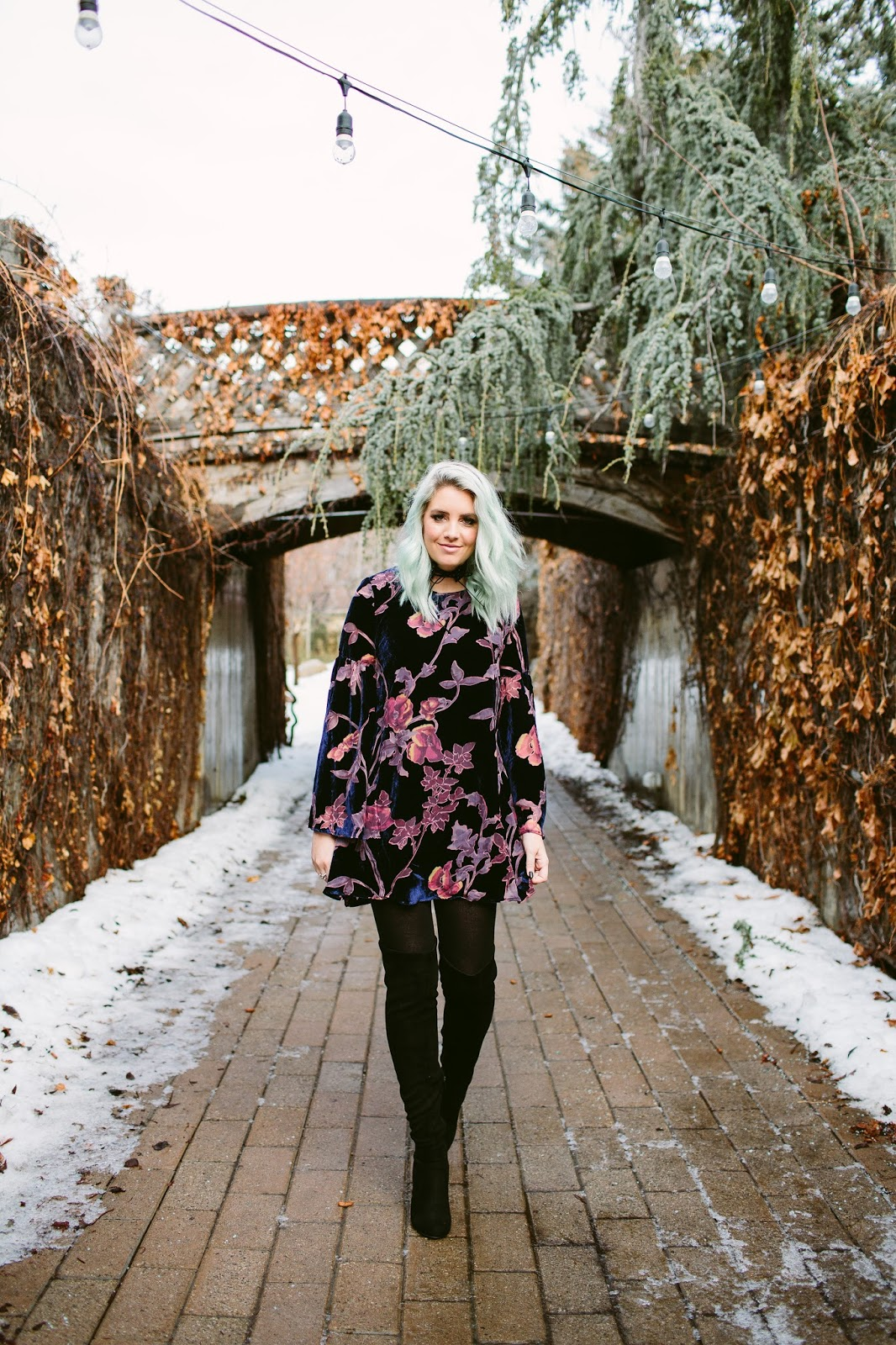 Utah Fashion Blogger, Winter Outfit, Velvet Outfit