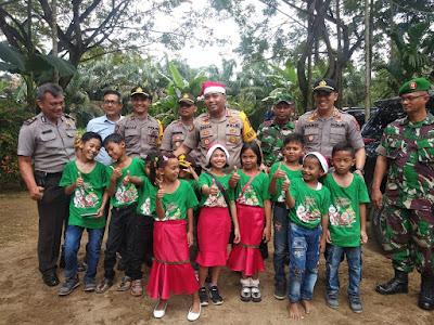 Kapolres Tanjabtim Bersama Personil TNI Pantau Langsung Jalannya Pelaksanaan Perayaan Natal dan Tahun Baru