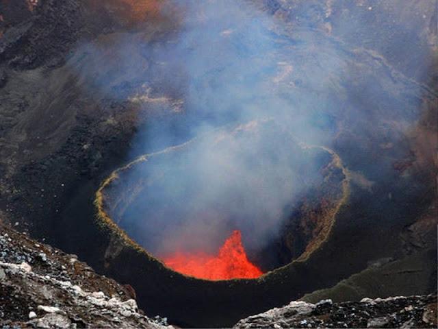 gunung pulau ambrym