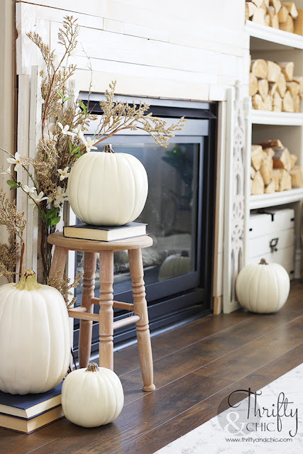 Fall living room decor and decorating ideas. Farmhouse fall decor. How to decorate for fall. Neutral fall decor. Easy fall decorating tips and tricks. Fall mantel decorating ideas. Living room board and batten. Moroccan leather pouf and decorating.