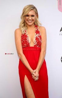 Kelsea-Ballerini-at-11th-Annual-ACM-Honors-in-Nashville-1+%7E+SexyCelebs.in+Exclusive.jpg