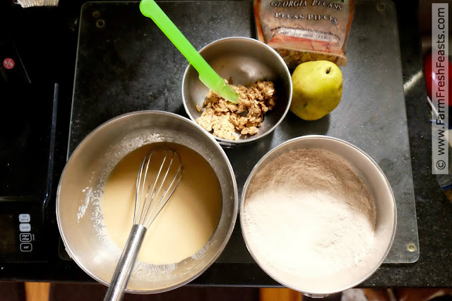 process for making whole wheat pear and pecan streusel muffins