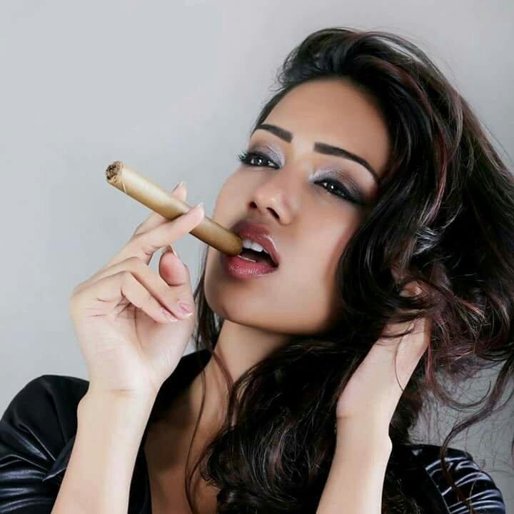 Nivetha Pethuraj Hot Photos Revealing Her International Style Baobua Bolly Baobua Com