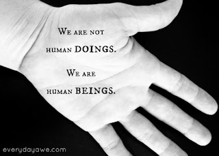 "Manusia yang ""Manusia"""
