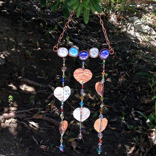 Free tutorials to make a garden wind chime and sun catchers using beads, glass gems and embossed foil hearts: Lisa Yang's Jewelry Blog