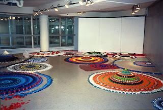 Arte con plástico de colores reciclado
