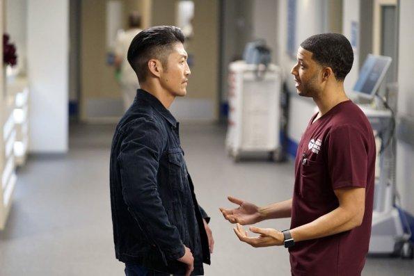 """chicago med episode 505 got a friend in med promotional photo 09 595 - Chicago Med (S05E05) """"Got a Friend in Me"""" Episode Preview"""