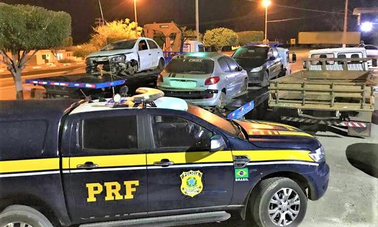 PRF estoura oficina de desmanche e apreende veículos roubados na Chapada Diamantina