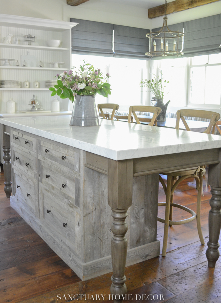 elegant rustic farmhouse kitchen
