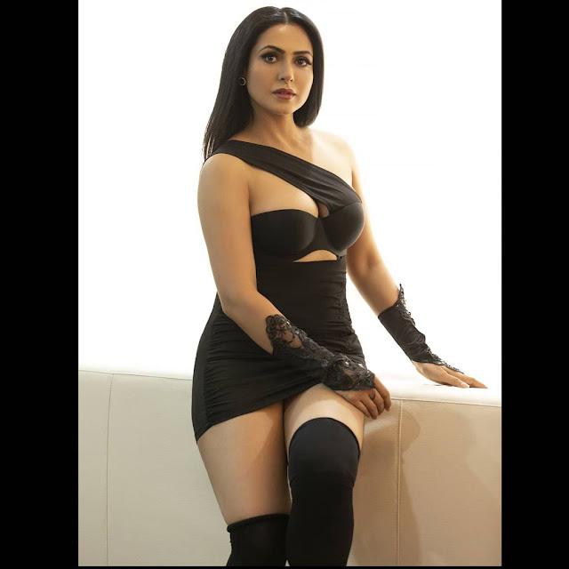Nandini Rai Hot