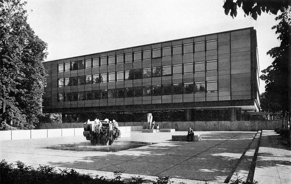 the elegant age: Architecture in Munich (1960-1970)