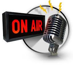 حوار شيق بالفرنسية في إذاعة راديو مع شخصية معروفة مكتوب وبالصوت Emission radio en français