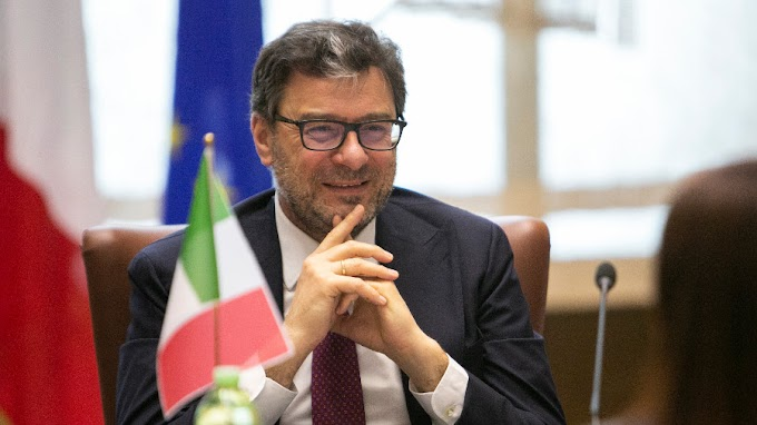 """Giorgetti: """"Estendere il Green pass per aumentare la libertà"""""""