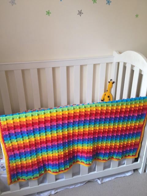 Rainbow baby blanker