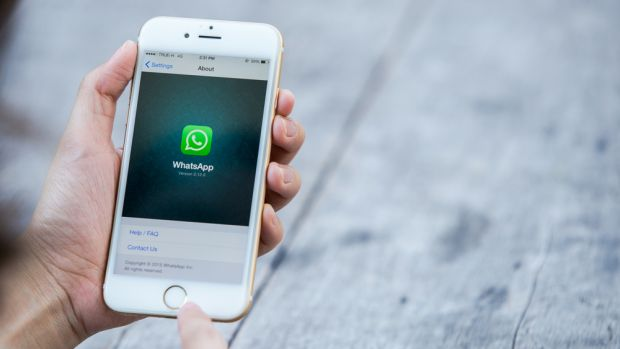 Instant Message Whatsapp are in your hand