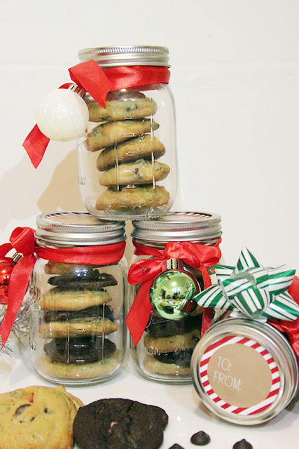 Nestle Toll House Holiday Cookie Mason Jar Gift Idea