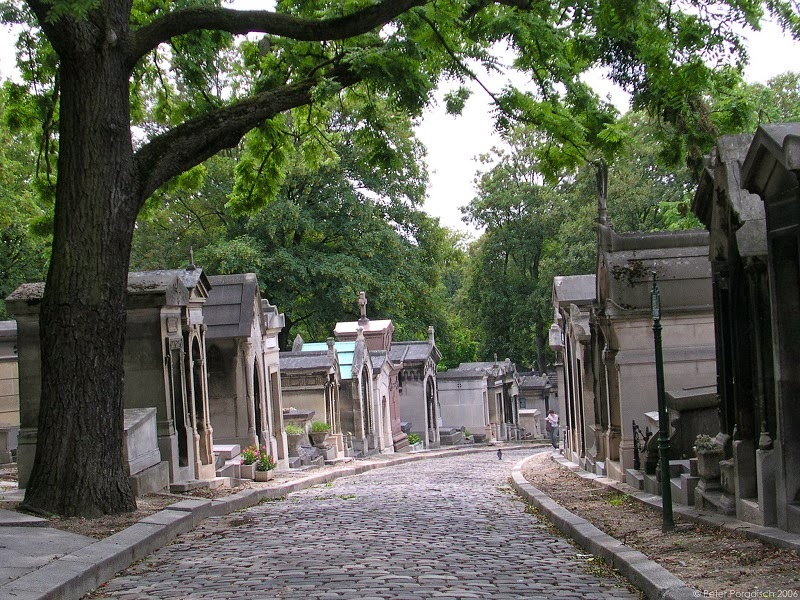Père Lachaise Cemetery - Top 10 Sites in Paris