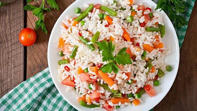 como fazer arroz com jardineira de legumes