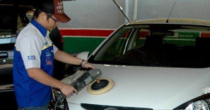 Cara Merawat Mobil Warna Putih