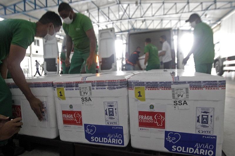 Bahia recebe mais 396 mil doses de vacinas, entre Sinovac e Astrazeneca - Portal Spy Notícias