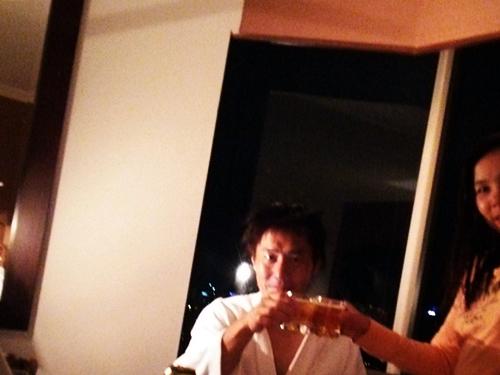 ホテルに戻ってバンコクの夜景を見ながら乾杯