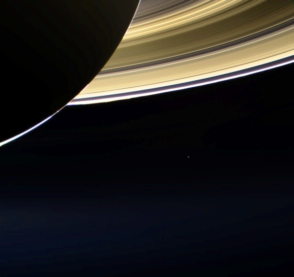 earth from saturn - HD1024×964
