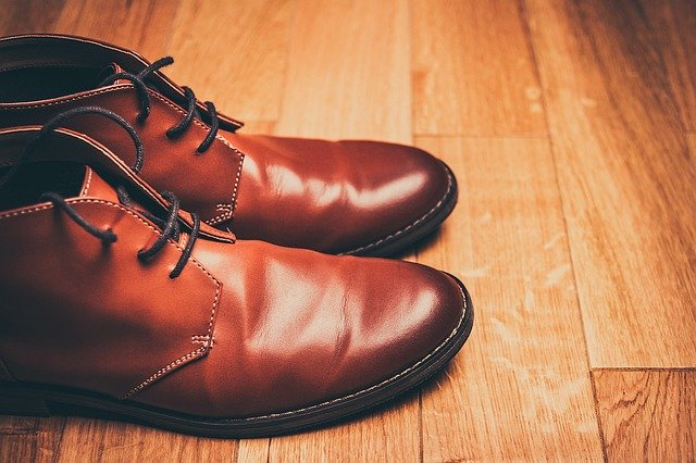 how to shine and clean leather boots
