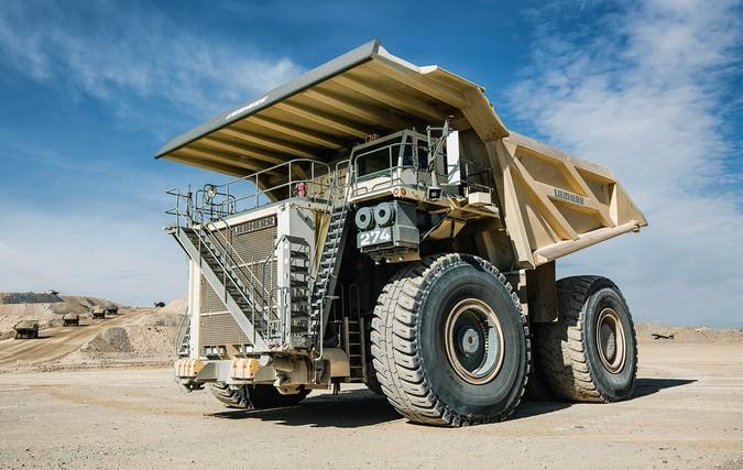 Liebherr T274: Conheça o novo gigante da mineração com capacidade para 305 toneladas