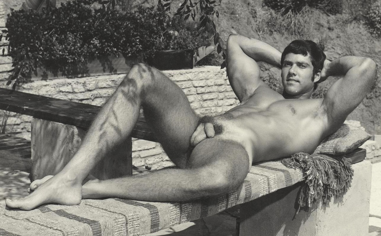 models-vintage-argentine-nude-men-sagal