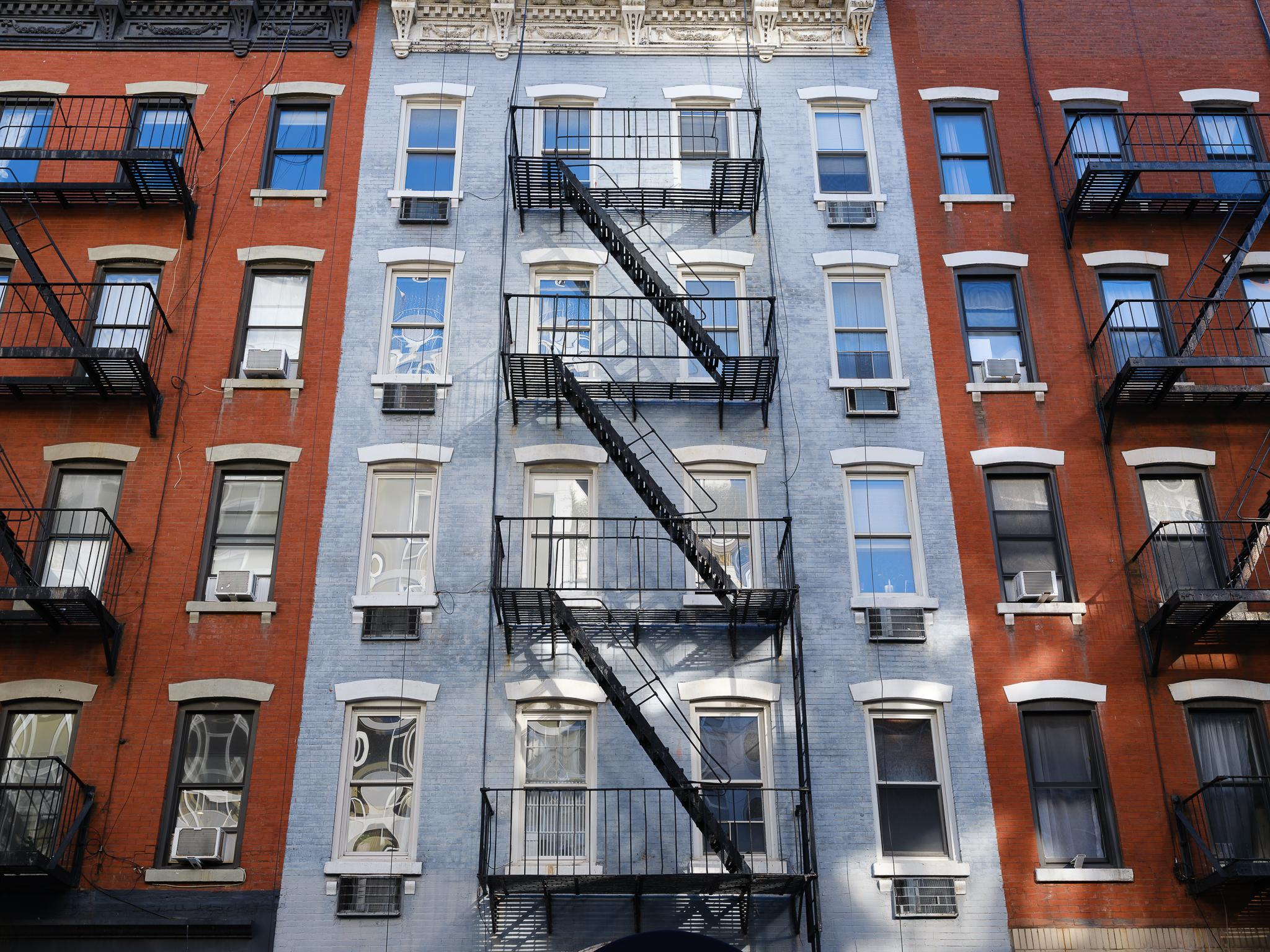 a photo of classic new york architecture fujifilm gfx 100s