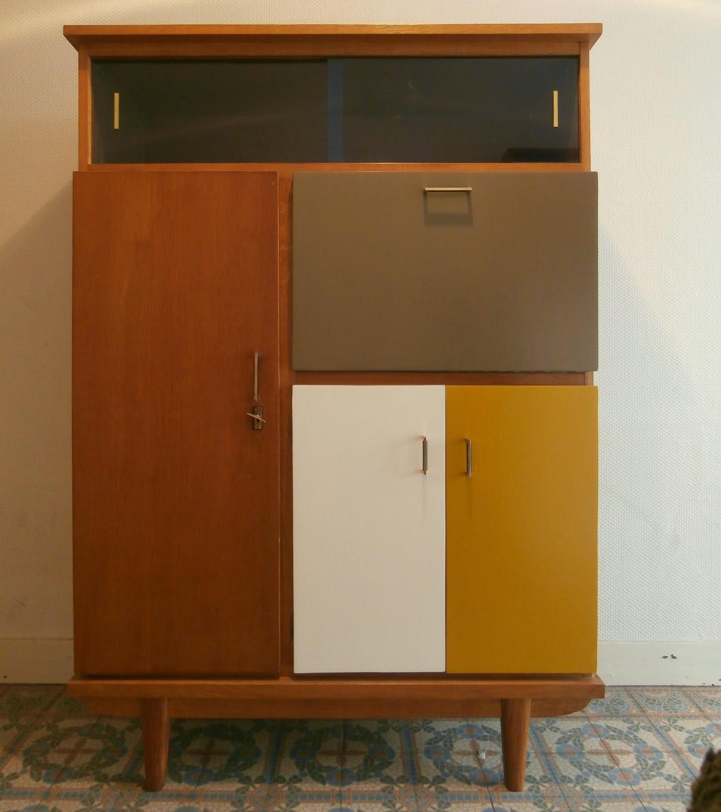dur e de vie ind termin e meuble secr taire vitrine en. Black Bedroom Furniture Sets. Home Design Ideas