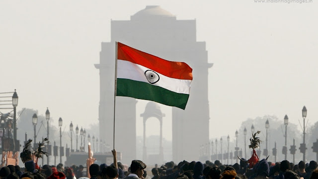 indian-national-flag-images-near-india-gate