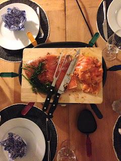 Silvesterabend Raclette und frischer gebeizter Lachs