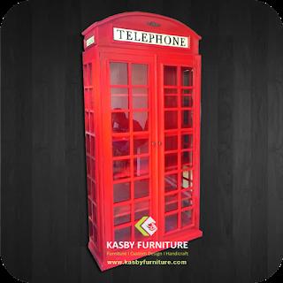Rak Buku mdel gardu Telpon dengan finishing duco merah, semakin melengkapi ruangan anda  bagi yang suka membaca buku buku koleksinya. selain desain rak buku yang simple dan cantik. rak buku ini juga dapat   memperindah interior rumah anda. Rak buku / Bookcase  yang kami sediakan variabel dari yang ukiran, minimalis dengan harga jual furnitur yang terjangkau dan kualitas terbaik. Untuk Melihat Berbagai Model Rak Buku yang lain. Silahkan Lihat disini.
